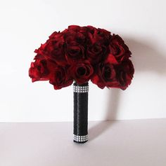 Red Roses Wedding Bouquet Bridesmaid Bouquets Red Silk Roses Black Satin Ribbon Shiny Artificial Flowers Bridal Elegant Wedding Luxury