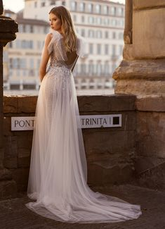 Behance :: Moda on Behance Gorgeous Wedding Dress, Fashion Project, Nude Color, Bridal Collection, Florence, Bridal Dresses, One Shoulder Wedding Dress, Fashion Photography, Bride