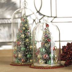 22 Charming Outdoor Christmas Tree Decorations You Must Try this Year - The Trending House Outdoor Christmas, Rustic Christmas, Christmas Home, Christmas Wreaths, Christmas Crafts, Christmas Bulbs, Xmas, Christmas Movies, Silver Christmas Decorations