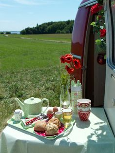 two sugars please - glamping breakfast