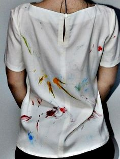 Bluza din matase naturala pictata manual atat pe fata, cat si pe spate.