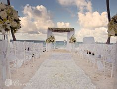 Dreams Palm Beach Destination Wedding in Punta Cana, Dominican Republic. Photography by Cineart.  www.barefootbridal.com