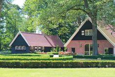 Charmanter, im englischen Stil eingerichteter Bauernhof. Diese Oase der Ruhe finden Sie in Oldenzaal mitten im Landsitz Het Hulsbeek. Die Wohnung ist komfortabel und sorgfältig eingerichtet. Die Einrichtung im englischen Stil sorgt für eine romantische Atmosphäre. Auf der überdachten Terrasse mit Kamin und Terrassenwärmer können Sie bis zu später Stunde draußen sitzen. Die Umgebung bietet vielseitige Freizeitmöglichkeiten. Naturliebhaber können direkt vom Landhaus Het Hulsbeek auf…