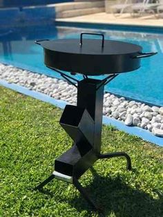 Cocina Rocket, Desmontable, Maletín, Unica , A Leña!!! - $ 2.899,99 en Mercado Libre Rocket Stove Design, Diy Rocket Stove, Rocket Heater, Rocket Stoves, Outdoor Cooking Area, Outdoor Oven, Outdoor Fire, Custom Bbq Smokers, Custom Bbq Pits