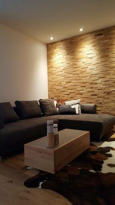 3D Holzwand Individuell Selber Verlegen In Ihrem Wohnbereich. Massives  Eichenholz Hinter Der Couch Als Moderne