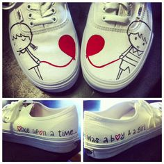 this is a cute idea. i like how both shoes are used. and i also like how there is a little thing going around the sides of the shoes. it gives it a bit more of an extra thing to it. i also like how the balloons are the only things colored.