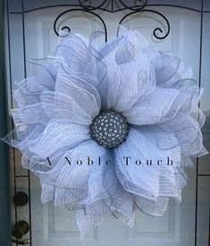 Pattern for the White & Silver Flower by A Noble Touch, DIY, Instructional Pattern, Flower Wreath Pattern Burlap Flower Wreaths, Deco Mesh Wreaths, Door Wreaths, Ribbon Wreaths, Wreath Crafts, Diy Wreath, Snowman Wreath, Paper Crafts, Mesh Wreath Tutorial