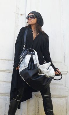Black and White Maxi Bag / Oversize Leather Tote Bag / Fringe Tassel Bag / High Quality Tote Asymmet Leather Pieces, Black Leather Bags, Black And White Bags, White Maxi, Large Shoulder Bags, Cloth Bags, Urban Fashion, Fashion Outfits, Trending Outfits