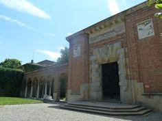 Il portale d'onore della Galleria d'Arte Moderna Ricci Oddi, Piacenza