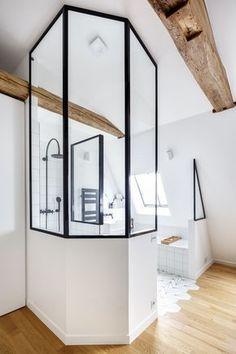 Verrière de salle de bain réalisée sur-mesure par un de nos artisans Hopfab #interiordesign #deco #verriere