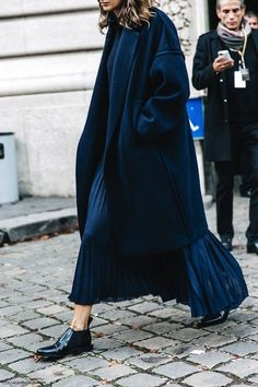 all-navy // coat, sweater, pleated maxi skirt and patent oxfords #style #fashion #streetstyle