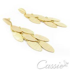 Brinco Scaglia folheado a ouro com garantia. www.cassie.com.br