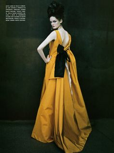"""""""So Splendid and Magic"""" by Paolo Roversi for Vogue Italia Supplement, March 2005"""