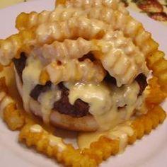 The Springfield Il Horseshoe Sandwich Recipe Horseshoe Sandwich Recipe, Horseshoe Recipe, Sauce Recipes, Beef Recipes, Cooking Recipes, Hamburger Recipes, Budget Cooking, Vegetarian Cooking, Finger Foods