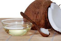 СКРАБ. Перемешайте 1/2 стакана кокосового масла с крупной солью или сахаром. А если добавить ложку молотого кофе – данный скраб также будет обладать подтягивающими, анти целлюлитными качествами.