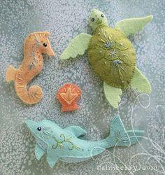 :: Crafty :: Doll :: Animalia :: dolphin seahorse turtle | by merwing✿little dear #feltornaments #feltanimalsdiy