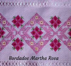 Bargello Needlepoint, Needlepoint Stitches, Embroidery Stitches, Cross Stitch Bookmarks, Cross Stitch Borders, Hand Embroidery Design Patterns, Swedish Embroidery, Swedish Weaving, Crochet Bedspread