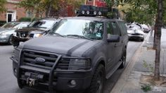 """""""I am Legend"""" Ford expedition. want one just like(maybe some lift) this… Suv Trucks, Jeep Truck, Pickup Trucks, Lifted Ford Explorer, Ford Explorer Accessories, Jeep Zj, Drift Trike, Ford Excursion, Ford 4x4"""