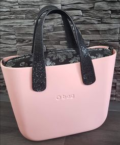 Travel Bags, Fashion Bags, Leather Bag, Handbags, Wallet, My Style, Mini, Stuff To Buy, Leather Tote Handbags