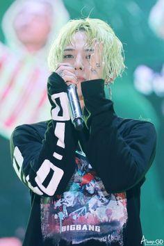 a little about G-Dragon~ Bigbang Yg, Bigbang G Dragon, Daesung, Jiyong, G Dragon Cute, Rapper, Dragon Icon, Big Bang Top, Gu Family Books