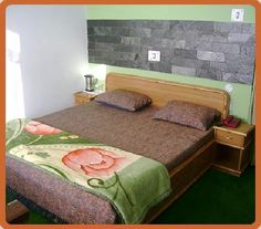 Hotel Mount View Almora is a deluxe hotel located on the boundaries of Simtola. The hotel is surrounded by lush green pine trees.