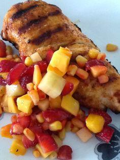 Poitrine de poulet à la salsa fruitée