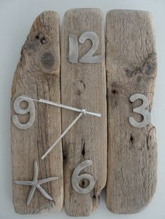 Wooden clock floated deco seaside: Wall decorations by patina-and-b . Driftwood Jewelry, Driftwood Crafts, Wood Log Crafts, Seaside Decor, Wall Clock Design, Wood Clocks, Clock Decor, Gifts For Office, Beach Crafts