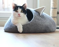 Pets bed / Cat bed - cat cave - cat house - eco-friendly handmade felted wool cat bed - grey and natural white