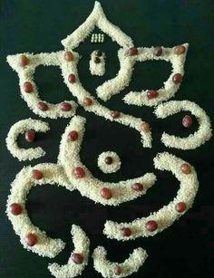 Rangoli Designs Flower, Small Rangoli Design, Colorful Rangoli Designs, Rangoli Ideas, Rangoli Designs Diwali, Diwali Rangoli, Flower Rangoli, Kolam Designs, Diwali Diy