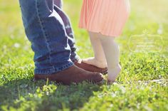 Daddy daughter photo, toddler photoshoot.   Brando and Collette need to do this :)