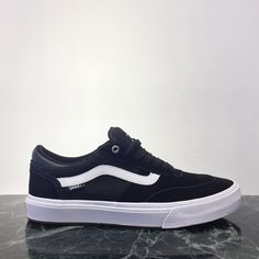 @vanshkg Gilbert Crockett 2 available @8five2shop www.8five2.com retail price at HKD790 #852 #8five2 #hkskateshop #vanshkg