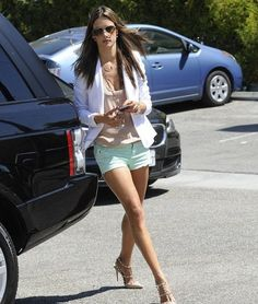 Alessandra Ambrosio goes to Petco store with her daughter. - Alessandra Ambrosio Out With Her Daughter Alessandra Ambrosio, Valentino Studded Heels, Valentino Rockstud Pumps, Blazer And Shorts, Hot Shorts, Victorias Secret Models, Victoria Secret Fashion Show, Celebrity Moms, Legs