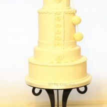 knitted-pompom wedding cake