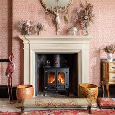 Pearl´s Place is a Bohemian large self-catering country house in Frome, Somerset set within beautiful private grounds Pearl Lowe, Holiday Cottages To Rent, English Cottage Interiors, Antique Chandelier, Cool Countries, Home Decor Inspiration, Life Inspiration, Vintage Shabby Chic, Somerset