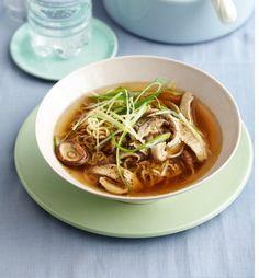 Hühner-Nudel-Suppe  Foto: Julia Hoersch
