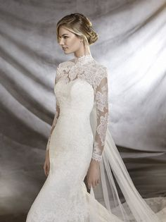 Fall in love with Pronovias' spring 2017 collection! http://www.stylemepretty.com/2016/04/27/the-dresses-from-pronovias-2017-collections-are-too-pretty-to-miss/