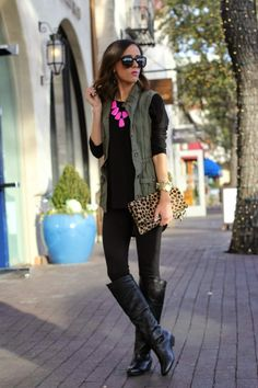 """Great autumn outfit! loving the sleeveless parka & all black with leopard clutch accent! not too sure about the pink since I'm not a """"pink person"""" but any color would look great!"""