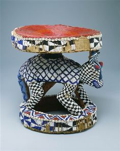Africa ceremonial stool from the grassfields cameroon for Chaise africaine