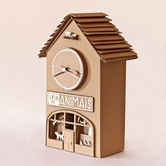 Animal Store Clock. Cardboard clock. Works with batery. Entirely handcrafted.