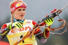 Gabriela Soukalova Ski Girl, Sport Girl, Dynamic Poses, Winter Sports, Sports Women, Girl Pictures, Beauty Women, Olympics, Skiing