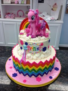 My Little Pony Birthday Cake Bolo My Little Pony, Rodjendanske Torte, My Little Pony Birthday Party, Fancy Cakes, Let Them Eat Cake, Amazing Cakes, Cupcake Cakes, Cake Decorating, Birthday Ideas