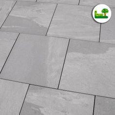 #Feinsteinzeug #gartenleber #Story #grey #simple #modern #minimalism #light #stone #pavement Tile Floor, Flooring, Texture, Modern, Crafts, Porcelain Tiles, Stones, Surface Finish, Trendy Tree