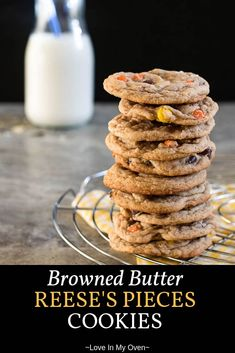 The softest, chewiest, cookies you'll ever make. Chocolate and peanut butter pairs perfectly in your new favourite chocolate chip cookie recipe! Best Cookie Recipes, Best Dessert Recipes, Fun Desserts, Sweet Recipes, Real Food Recipes, Delicious Desserts, Yummy Food, Amazing Recipes, Bar Recipes