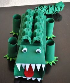 Alligator Affirmation Box - Showing Kids Love by Crayon Box Chronicles. Box is made from tissue boxes, paper towel rolls, and egg cartons. Kids Crafts, Projects For Kids, Diy For Kids, School Projects, Valentine Day Boxes, Valentines For Boys, Saint Valentin Diy, Valentines Bricolage, Egg Carton Crafts