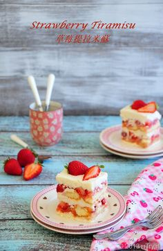 This Strawberry Tiramisu (草莓提拉米蘇) tastes just like my Japanese Strawberry Sponge cake. But this no-bake version is perfect for the Summer when you don't want to turn on the hot oven!it No Bake Desserts, Just Desserts, Delicious Desserts, Yummy Food, Baking Desserts, Strawberry Tiramisu, Strawberry Recipes, Cake Recipes, Dessert Recipes
