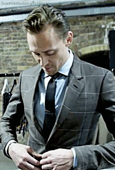 Tom Hiddleston is a Master of Accents | GQ. Video: https://www.youtube.com/watch?v=c6YN5tDAVW4&feature=youtu.be (Gif by tomhiddleston-gifs.tumblr)