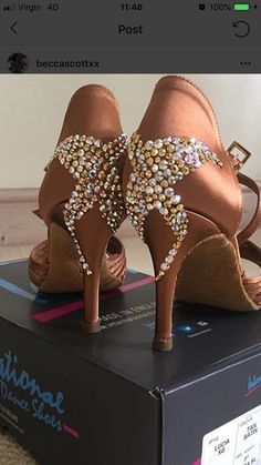 Arts And Crafts Ideas For Kids Refferal: 7350202894 Latin Dance Shoes, Latin Dance Dresses, Latin Hairstyles, On Shoes, Shoes Heels, Salsa Shoes, Tango Shoes, Champion, Decorated Shoes