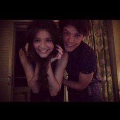 One Direction Girlfriend Quiz: Eleanor Calder and Louis Tomlinson Banda One Direction, I Love One Direction, One Direction Girlfriends, The Girlfriends, Eleanor Calder, Louis Tomlinson, Tomlinson Family, Louis And Eleanor, Cutest Couple Ever