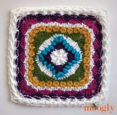 Family Square! Free crochet pattern by Busting Stitches.