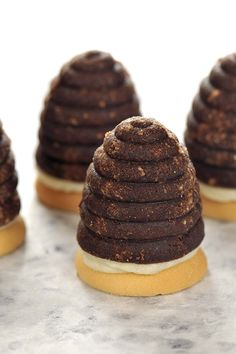 Beehive cookies - If you are celebrating Christmas the Czech way, you have GOT to make Czech Christmas cookies. And if you are making Czech Christmas cookies you have GOT to make Beehives. Along with vanilla crescents and linz tarts, they are a must. Slovak Recipes, Czech Recipes, Christmas Sweets, Christmas Cookies, Holiday Baking, Christmas Baking, Czech Desserts, Holiday Recipes, Cookie Recipes